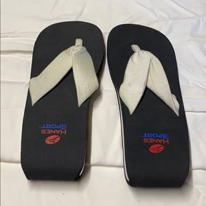 Hanes sport size 9 sandals